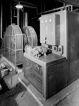 Grede foundries, Milwaukee, WI plant, 1947. An R-750 generator