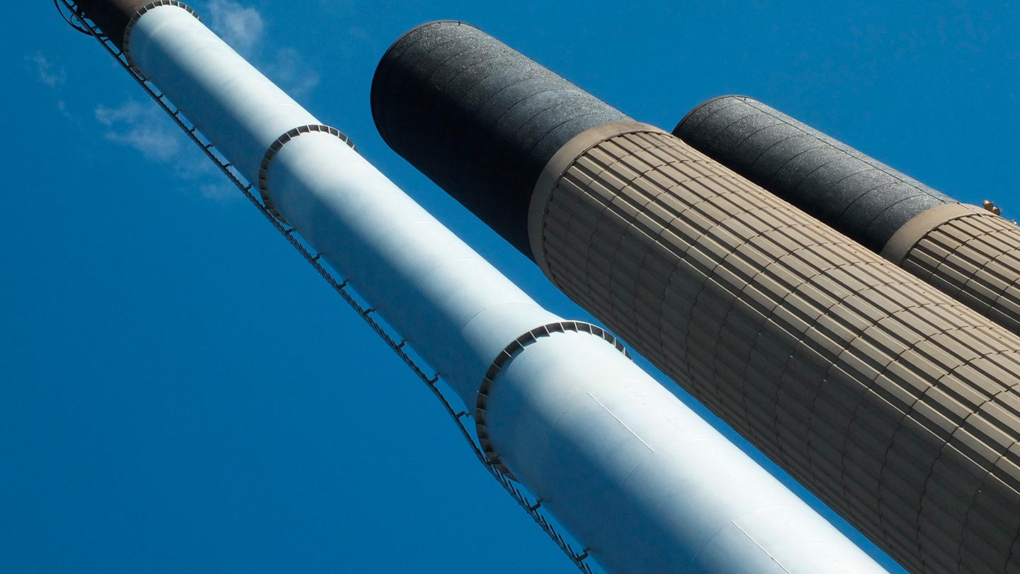 Tall industrial chimneys